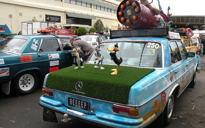 Looney Tunes car.