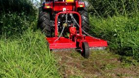 The heavy duty AGMAX slasher is perfect for clearing bush blocks.
