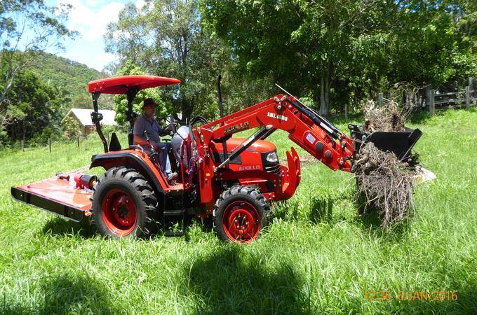 Queensland owner with an APOLLO 554 with 4-in-1 bucket.