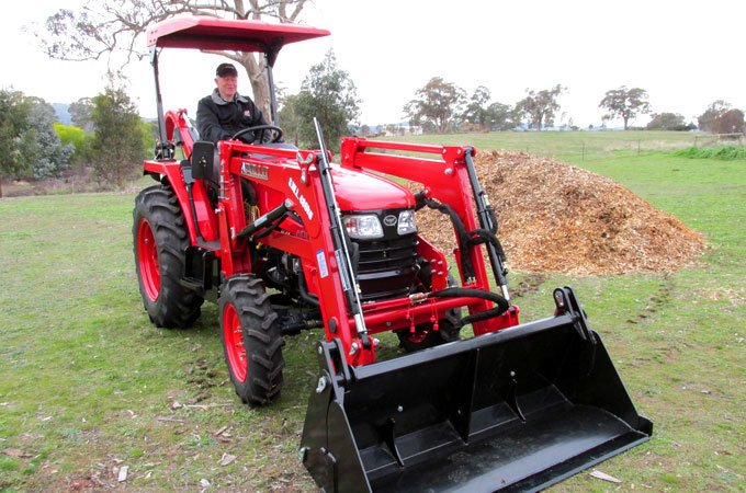 The APOLLO 454 is a solid, farm all rounder that has many features.