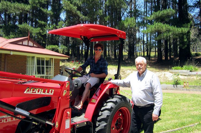 Satisfied APOLLO tractor owners.