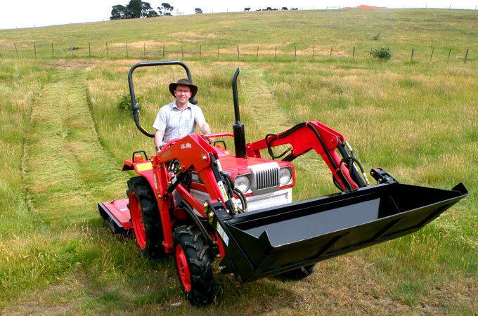 AGMAX slashers are suitable for long, rank and/or heavy grass cutting.