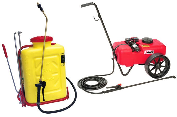 From left to right: Condor Knapsack sprayer, Trollyspot sprayer.