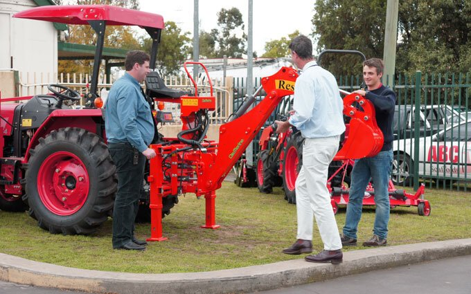 Del Morino representatives visit Australia to check out SOTA Tractors.