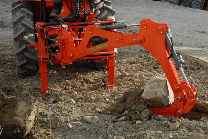 Del Morino Res15 Backhoe on a compact Kubota tractor
