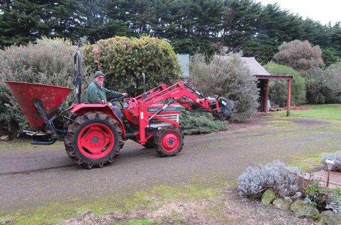Laurie - L2402DT Ready to spread fertiliser