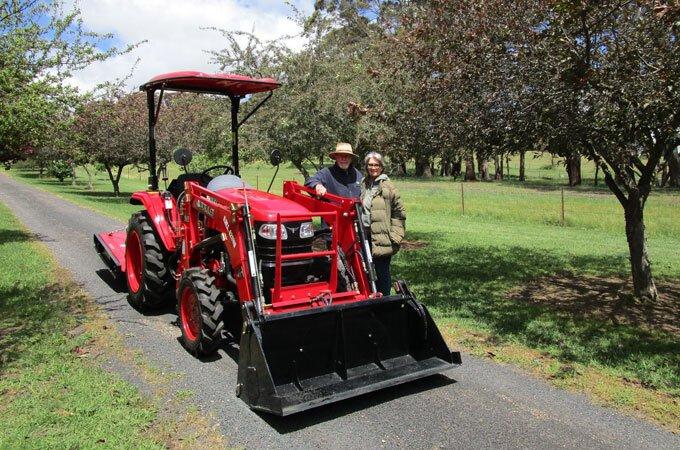 APOLLO 354 35hp tractor