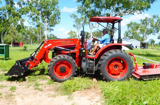 APOLLO 954 with AGMAX 6' heavy duty slasher.