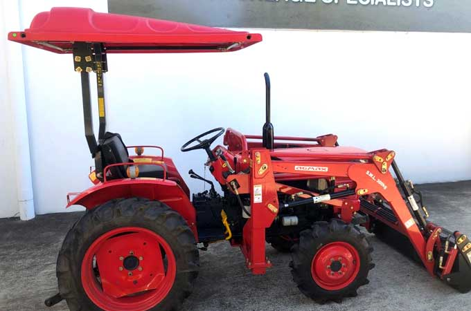 Sun canopy fitted to a remanufactured Kubota L2201DT.